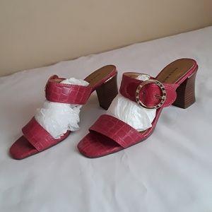 Women's Dana Buchman Fuchsia Croc Sandals SIZE 7.5